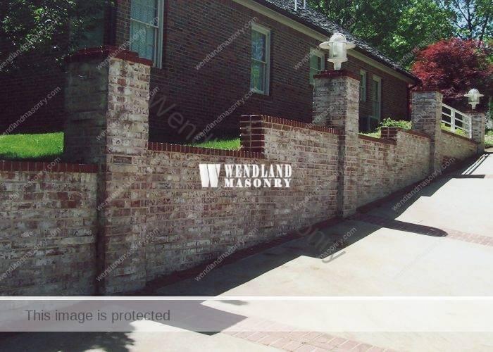 Masonry retaining walls